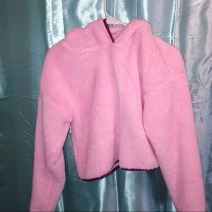 NWOT Girls fuzzy pull over hoodie 🍰💕